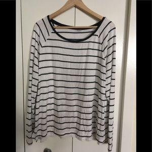 🔥2/$15🔥 Black & White striped top
